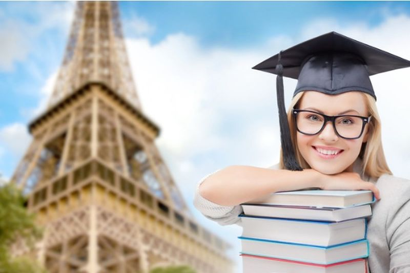 DeVry University Career Catalyst Scholarships for US and Canadian Citizens in USA