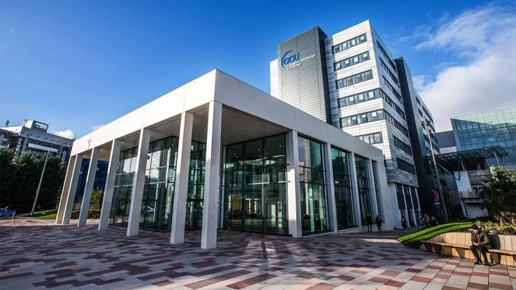 Glasgow Caledonian University undergraduate financial aid for International Students in UK