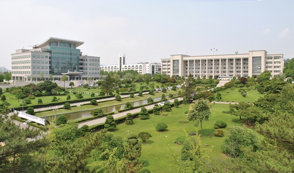 PhD and Postdoctoral Positions for International Applicants at Korea