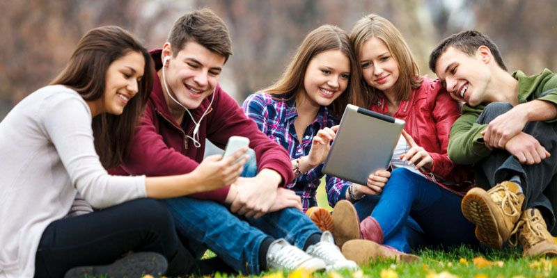 Best Tablet 2020 Best Tablets for College Students on a Budget   Scholarship