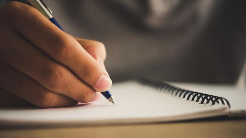 What Should Be the Scholarship Essay Format?