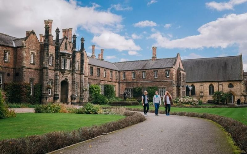 Academic Excellence scholarships for Indian Students in the UK, 2019-2020