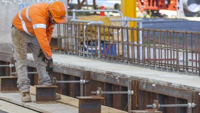 Best Scholarships for Iron Workers